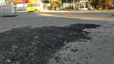 В Олешках дороги ремонтируют «миньоны», - местные о качестве работ